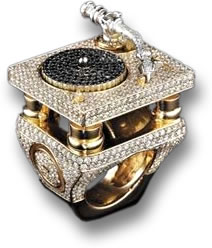 Missy Elliot's Black and White Diamond Turntable Ring