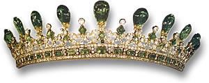 تيجان ملكية  امبراطورية فاخرة Queen-Victoria-emerald-tiara