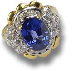 Gold Ring set with Blue Ceylon Sapphire and Diamond