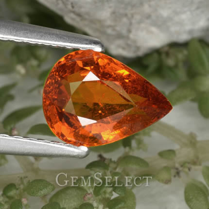 Buy natural spessartite garnet from GemSelect