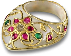 White Nephrite Jade, Gold, Ruby and Emerald Mughal Ring