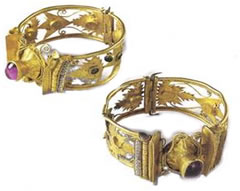 Pair of Ancient Greek gold bracelets