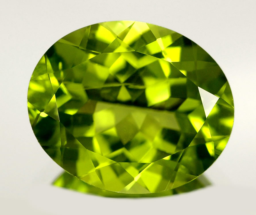 peridot green olivine gemstone and jewelry information
