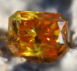 http://www.gemselect.com/other-info/graphics/synthetic_diamond_life_gem_01.jpg