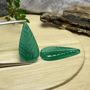 Green Agate Gem - 3.9ct Carved Leaf (ID: 470942)