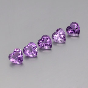 Medium Purplish Violet Amatista Gema - 0.7ct Forma de corazón (ID: 357962)