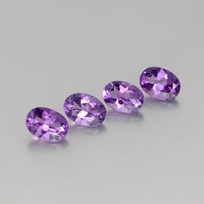 Medium-Dark Purplish Violet Amatista Gema - 0.7ct Forma ovalada (ID: 359018)