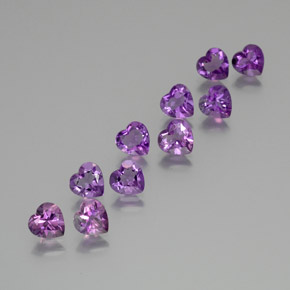 Medium Purplish Violet Amatista Gema - 0.6ct Forma de corazón (ID: 371087)
