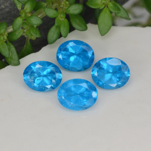 0.4ct Oval Facet Swiss Blue Apatite Gem (ID: 468583)