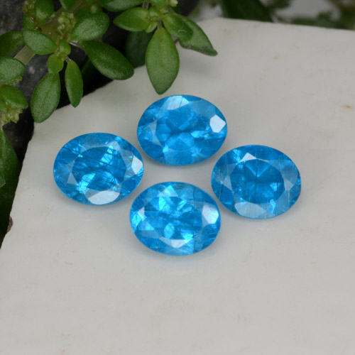 0.4ct Oval Facet Swiss Blue Apatite Gem (ID: 468585)