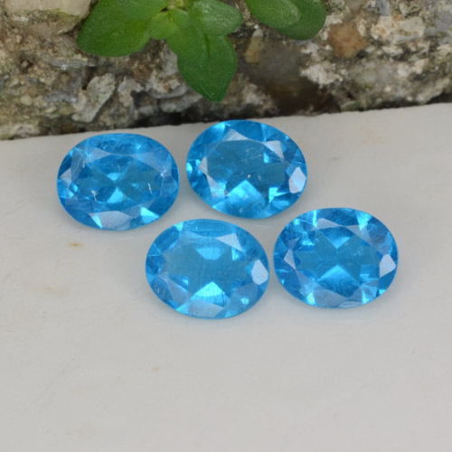 0.3ct Oval Facet Deep Azure Apatite Gem (ID: 468634)