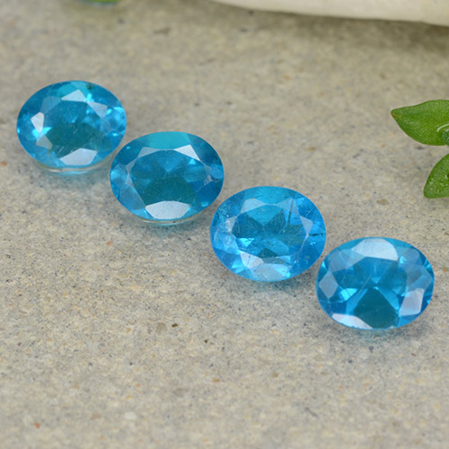 0.4ct Oval Facet Deep Azure Apatite Gem (ID: 488776)