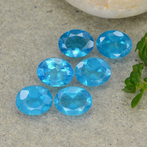 0.3ct Oval Facet Deep Azure Apatite Gem (ID: 488790)