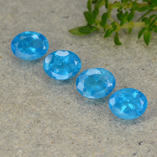 0.4ct Oval Facet Intense Azure Blue Apatite Gem (ID: 488799)