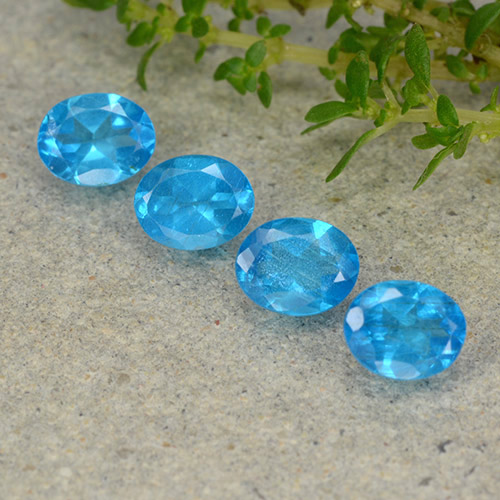 0.4ct Oval Facet Deep Azure Apatite Gem (ID: 488801)