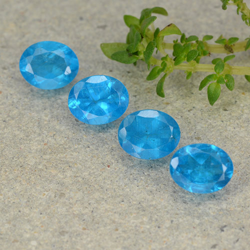 0.4ct Oval Facet Deep Azure Apatite Gem (ID: 488803)