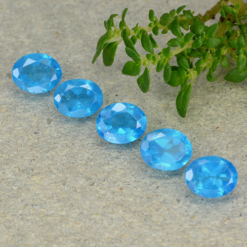0.4ct Oval Facet Swiss Blue Apatite Gem (ID: 488810)