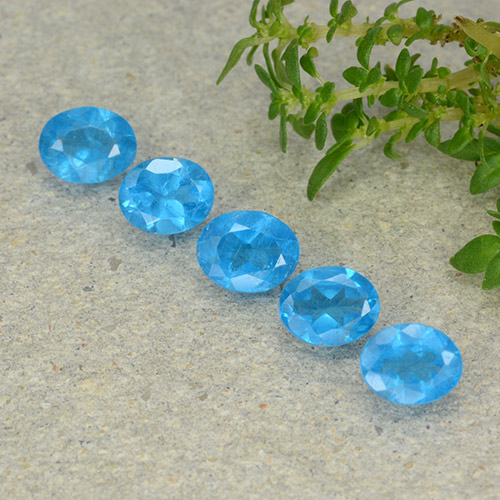 0.3ct Oval Facet Intense Azure Blue Apatite Gem (ID: 488816)