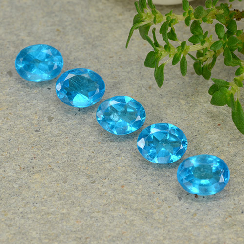 0.3ct Oval Facet Deep Aqua Blue Apatite Gem (ID: 488835)