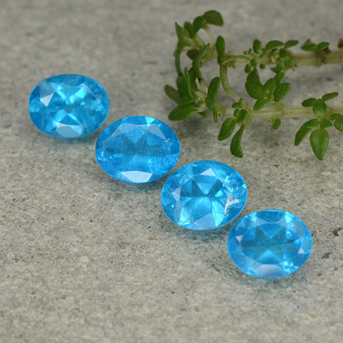0.4ct Oval Facet Azure Blue Apatite Gem (ID: 488842)