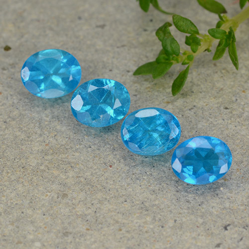 0.4ct Oval Facet Deep Aqua Blue Apatite Gem (ID: 488854)