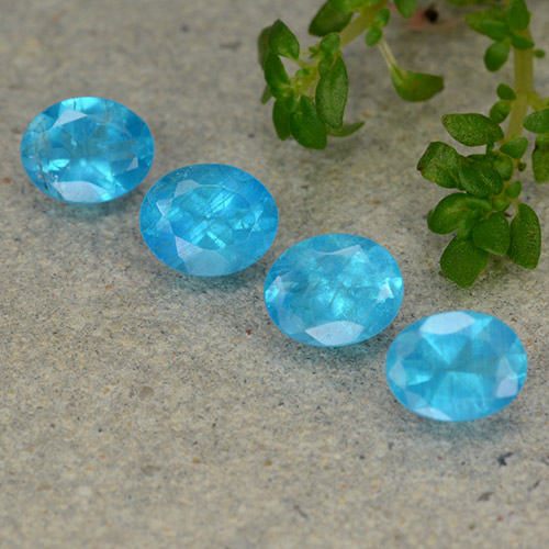 0.4ct Oval Facet Deep Aqua Apatite Gem (ID: 488856)
