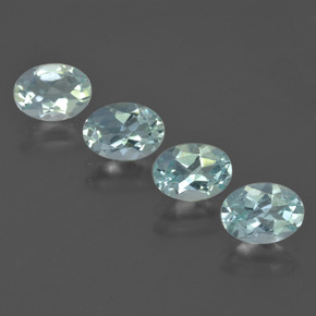 Light Green Blue Aquamarine Gem - 0.6ct Oval Facet (ID: 418864)