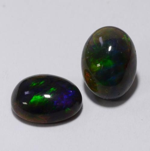 Multicolor Black Opal Gem - 0.9ct Oval Cabochon (ID: 538335)
