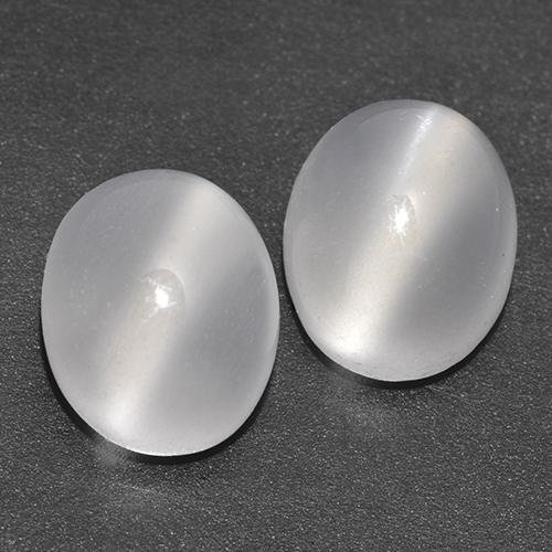 White Cat's Eye Moonstone Gem - 2.5ct Oval Cabochon (ID: 517096)