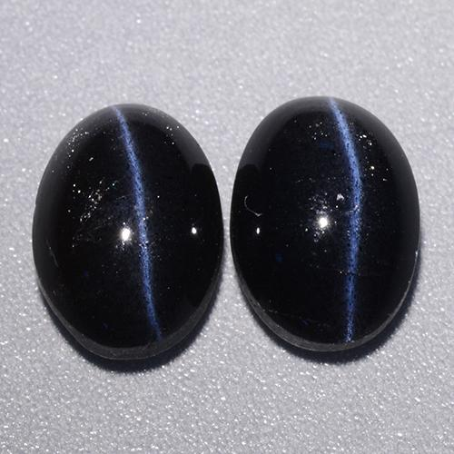 Black Cat's Eye Scapolite Gem - 2.6ct Oval Cabochon (ID: 484179)