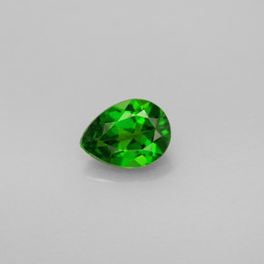 Buy 0.69 ct Green Chrome Diopside 6.67 mm x 5 mm from GemSelect (Product ID: 246003)
