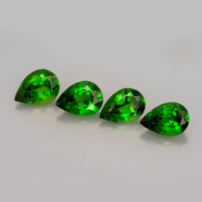 Buy 2.55 ct Green Chrome Diopside 6.65 mm x 4.9 mm from GemSelect (Product ID: 250334)