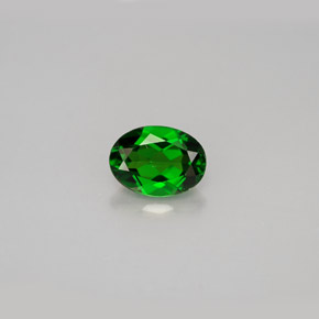 Buy 0.91 ct Green Chrome Diopside 7.05 mm x 5.2 mm from GemSelect (Product ID: 286387)
