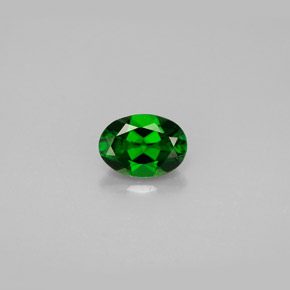Buy 0.90ct Green Chrome Diopside 7.06mm x 5.07mm from GemSelect (Product ID: 286390)