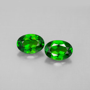 Buy 1.58 ct Green Chrome Diopside 6.83 mm x 4.9 mm from GemSelect (Product ID: 289758)