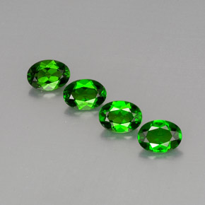 Buy 3.22ct Green Chrome Diopside 6.91mm x 5.10mm from GemSelect (Product ID: 289764)