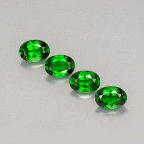 Buy 3.69 ct Green Chrome Diopside 6.98 mm x 5.2 mm from GemSelect (Product ID: 289768)