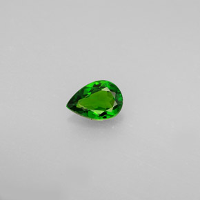 Buy 0.51ct Green Chrome Diopside 6.50mm x 4.58mm from GemSelect (Product ID: 289795)