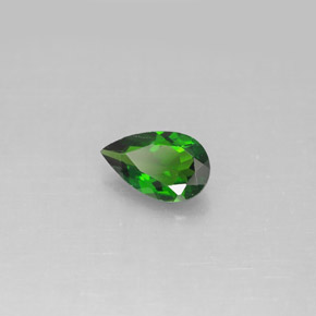 Buy 0.72 ct Green Chrome Diopside 7.87 mm x 4.9 mm from GemSelect (Product ID: 292528)