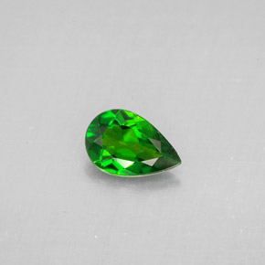 Buy 0.67 ct Green Chrome Diopside 7.44 mm x 5 mm from GemSelect (Product ID: 293400)