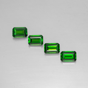 Buy 2.15ct Green Chrome Diopside 5.71mm x 3.91mm from GemSelect (Product ID: 293588)