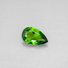 Buy 0.74 ct Green Chrome Diopside 7.91 mm x 4.9 mm from GemSelect (Product ID: 294296)