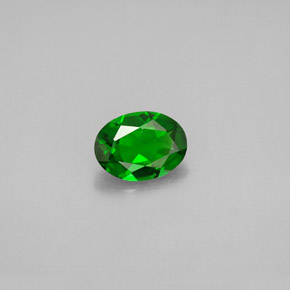 Buy 0.81ct Green Chrome Diopside 7.14mm x 5.23mm from GemSelect (Product ID: 300350)
