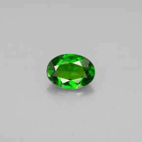 Buy 0.78ct Green Chrome Diopside 7.01mm x 5.16mm from GemSelect (Product ID: 301521)