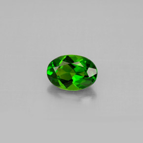 Buy 0.86 ct Green Chrome Diopside 7.16 mm x 5 mm from GemSelect (Product ID: 301522)