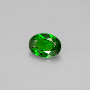 Buy 0.72 ct Green Chrome Diopside 6.95 mm x 5.1 mm from GemSelect (Product ID: 301533)