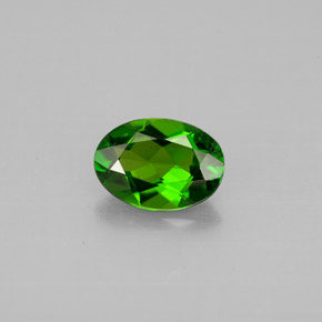 Buy 0.75 ct Green Chrome Diopside 7.04 mm x 5 mm from GemSelect (Product ID: 301535)