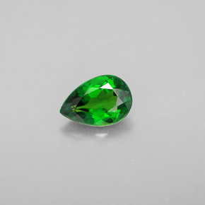 Buy 0.63 ct Green Chrome Diopside 6.86 mm x 4.7 mm from GemSelect (Product ID: 301588)
