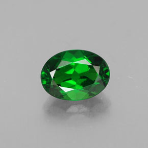 Buy 0.90ct Green Chrome Diopside 6.99mm x 5.11mm from GemSelect (Product ID: 313701)