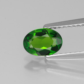 Buy 0.65 ct Green Chrome Diopside 7.06 mm x 5 mm from GemSelect (Product ID: 315336)